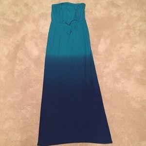Old Navy full length strapless skirt. W size M